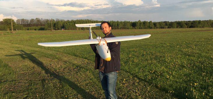 Zbudowalismy model samolotu UAV dla firmy geodezyjnej