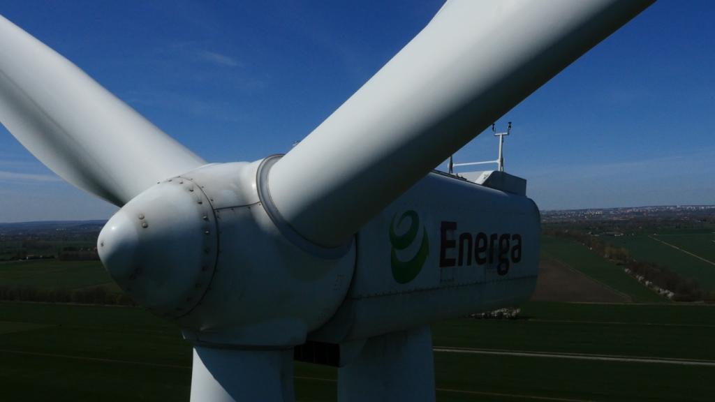 inspekcja turbin wiatrowych z drona